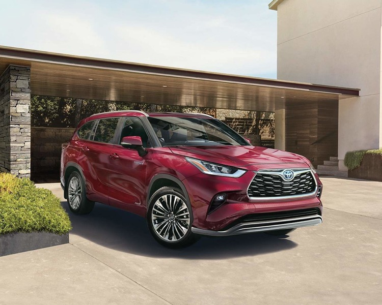 2020 Toyota Highlander in ruby red pearl